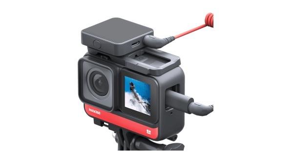 Insta360 ONE R cho phép gắn thêm micrô bên ngoài