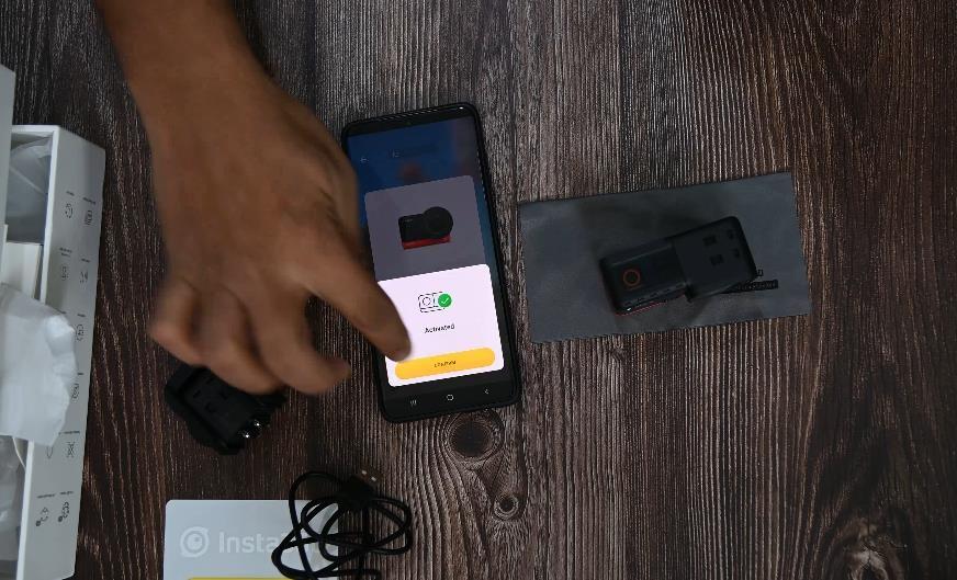 Ứng dụng Insta360 ONE R có trên cả thiêt bị Android và iOS