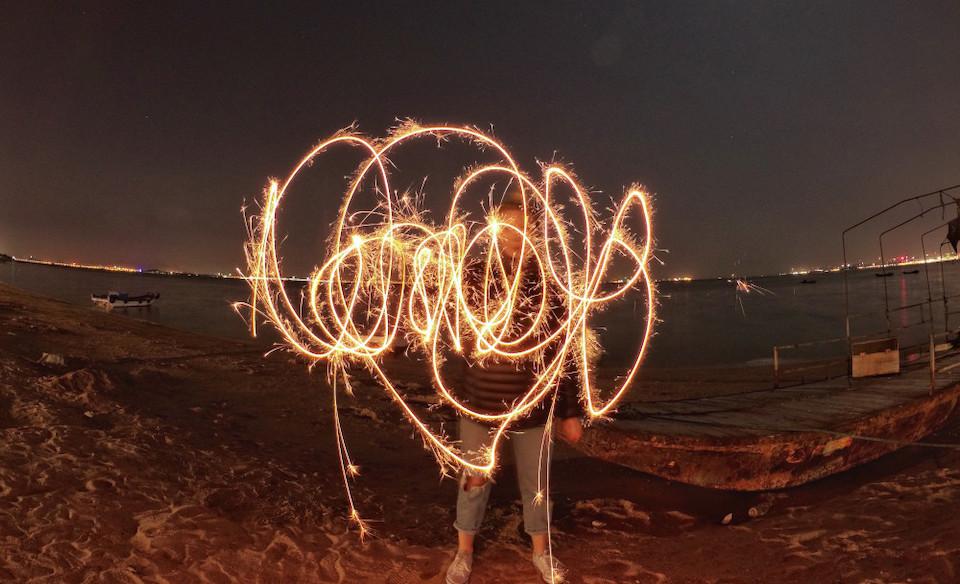 Chụp ảnh Light Painting đơn giản