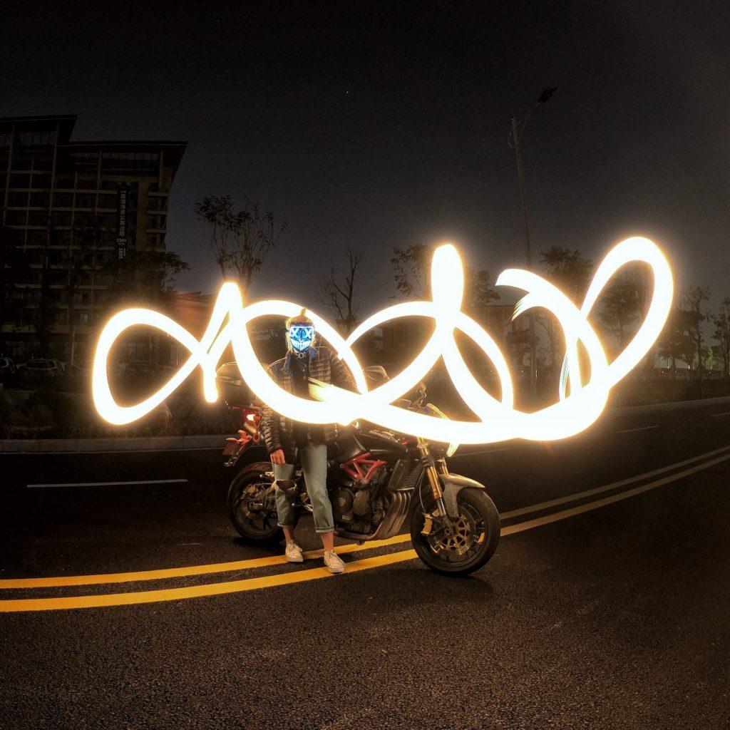 chụp ảnh Light Painting dễ dàng