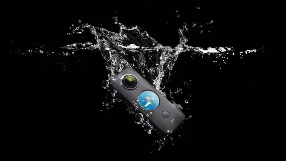 Camera Insta360 ONE X2 với khả năng chống nước